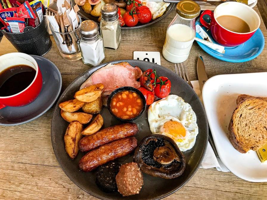 traditional full Irish breakfast - 10 Must Try Foods in Ireland